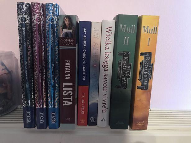 Zamienię dużo książek i mangi w super stanie