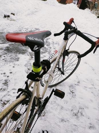 Rower szosowy kolażówka B'Twin Triban+ zabezpieczenie