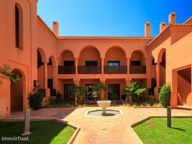 Apartamento T2 com 109,85 m2 e terraço com 27,05 m2 local...