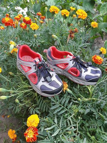 Босоножки, сандали, кроссовки,босоніжки Columbia
