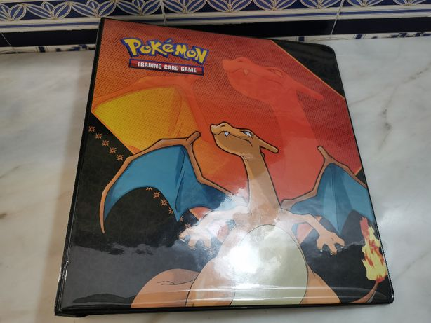 Arquivador A4 Album de Cartas Pokemon Ultra Pro Charizard