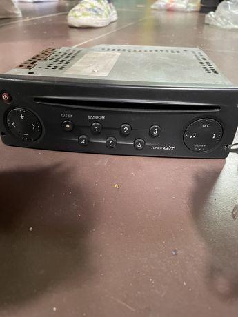 Vendo radio original renault e duas colunas sony