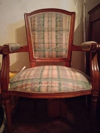 Cadeira madeira estofada