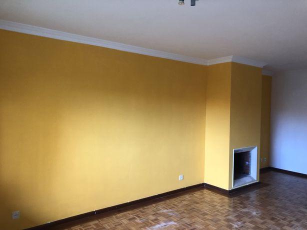 Apartamento T2+1 grijó com aquecimento e lugar garagem