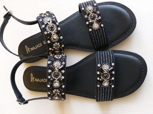 Шкіряне взуття , жіночі босоніжки