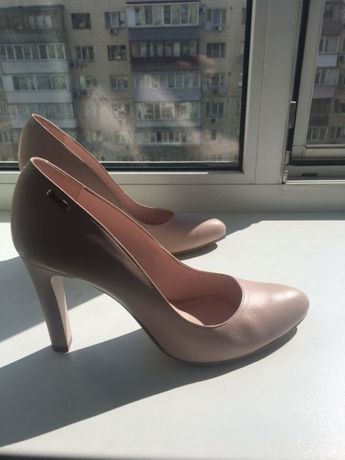 Туфли 39-40 bravo moda нюд беж свадебные