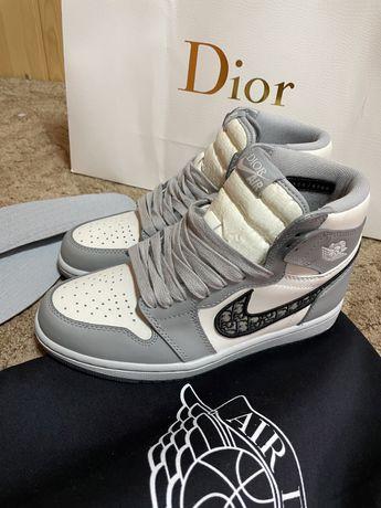 кроссовки Air Jordan 1 High из коллаборации с Dior