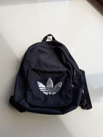 Czarny plecak Adidas oryginalny logo cekiny
