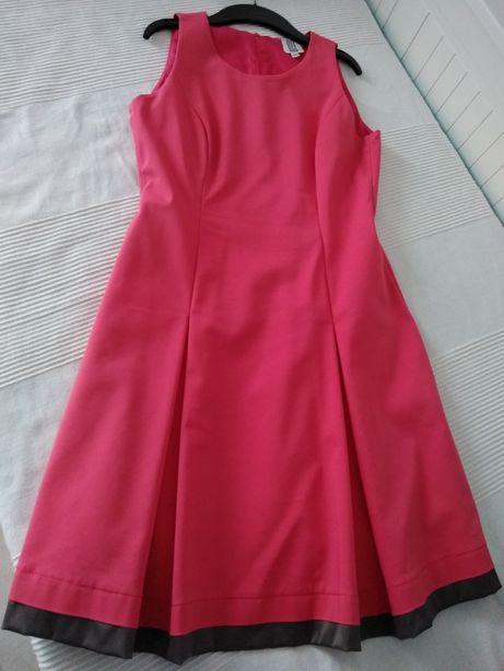 Sukienka w odcieniu różu rozm M
