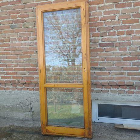 Drewniane okno balkonowe, drzwi tarasowe - dwuszybowe