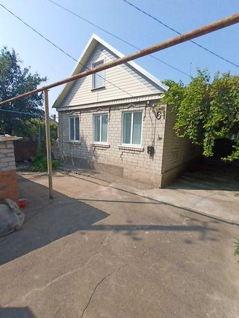 Продается  дом по низкой цене с удобствами и земельным участком.