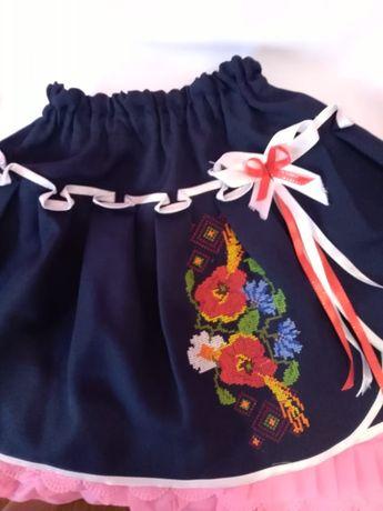 Продам костюм вышиванки для девочки