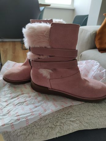 Полусапожки, ботинки зимние GUESS