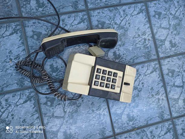 Stary telefon PRL Bartek