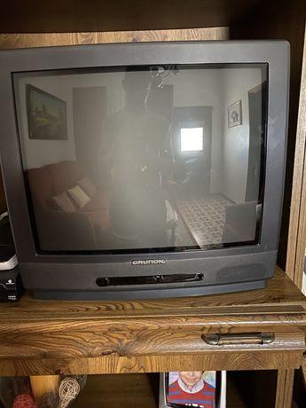 Conjunto 3 televisões