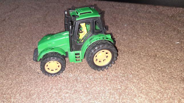 Игрушка Трактор для ребёнка.