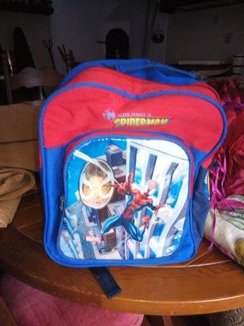 Mochila e proteção de criança do Homem-Aranha.