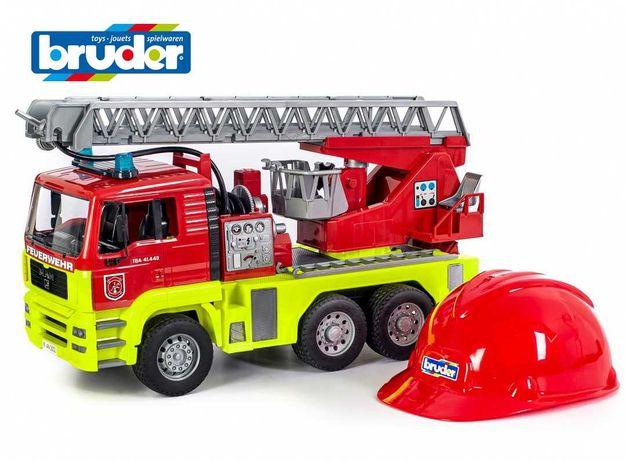 Набор : Пожарный MAN TGA свет, звук и каска Bruder 01760