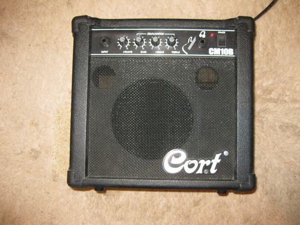 Продаётся комбоусилитель для бас - гитары Cort CM 10 В б/у в идеале