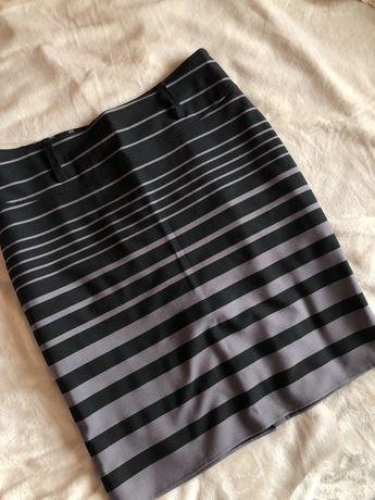 Строгая юбка в полоску, размер примерно ХЛ