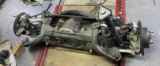 Lexus is 250 2015 awd Задняя подвеска , колодки, суппорт, редуктор