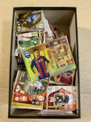 Karty kolekcjonerskie piłkarskie, albumy, gazetki