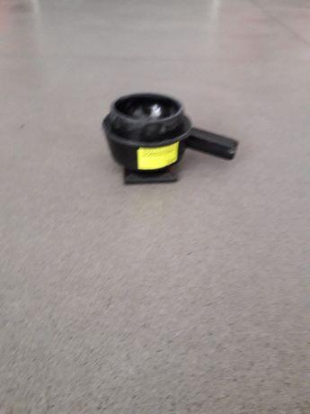 Adapter pulsatora pneumatycznego na bańkę
