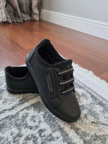 Туфли для мальчика 30р