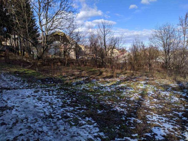 Земельна діляка (8 соток) біля центру міста, є дозвіл на будівництво