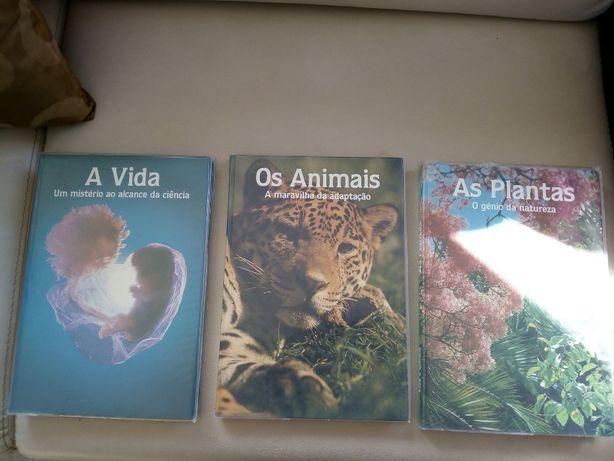 Três livros sobre A vida Humana, Animal e Plantas.
