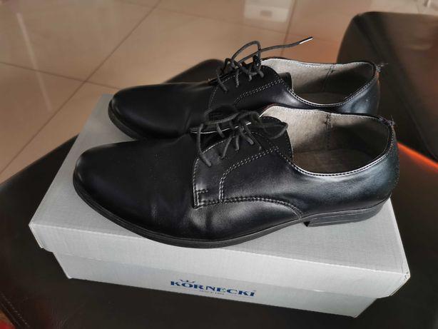 Eleganckie czarne buty Kornecki
