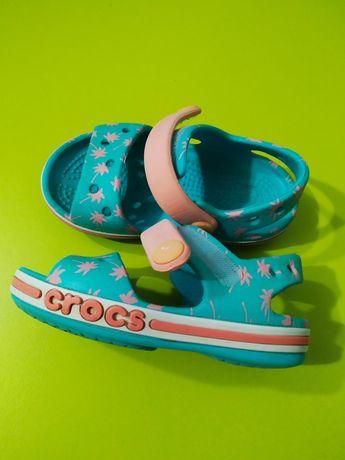 Продам Crocs s-5
