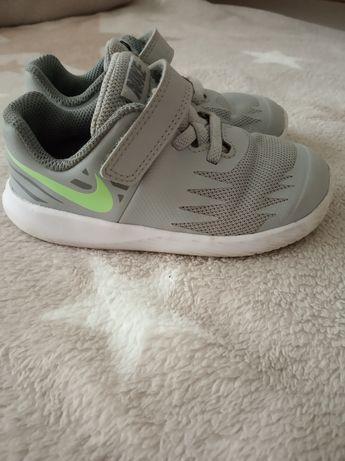 Кросовочки Nike 25 розмір