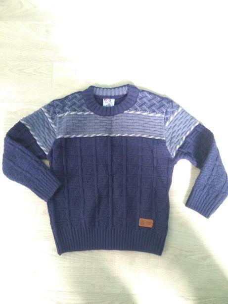 Красивый свитер для мальчика