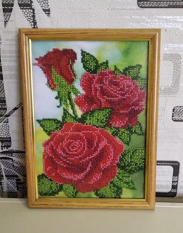 """Вышитая бисером картина """"Красные розы"""""""