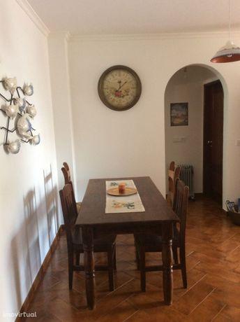 Aluga-Se Apartamento Em Milfontes Proximo Expresso Para Lisboa