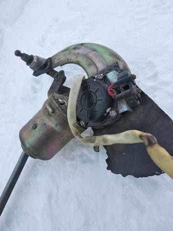 Трапеція склоочисника ВАЗ-2107 з моторчиком