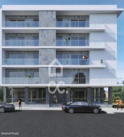 Apartamento T2 com sótão em fase de construção
