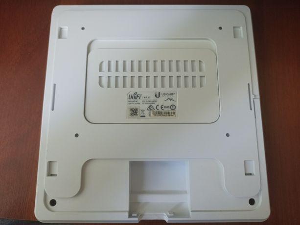 Точка доступа Ubiquiti UniFi UAPAC UAP-AC SWX-UAPAC 2.4GHz + 5 GHz