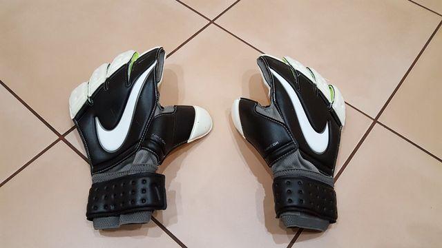 Nowe rękawice bramkarskie Nike SGT r 7