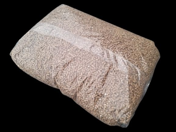 Pellet 6 mm, pełne palety 1050 kg, worek 15 kg
