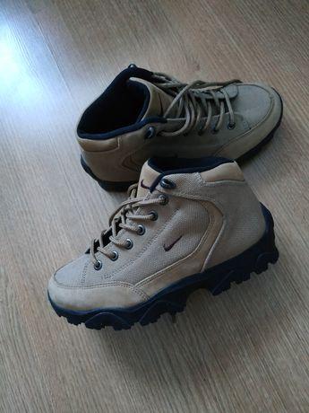 Новые Ботинки Кроссовки Nike оригинал