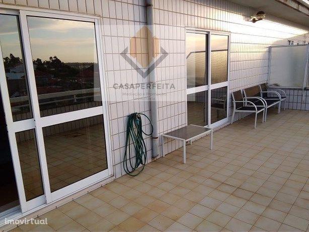 Apartamento T2 Duplex c/ Terraço - À Praia de Valadares.