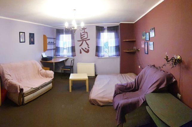 Duży pokój z garderobą przy ul. Trzebnickiej (Nadodrze), 900 zł