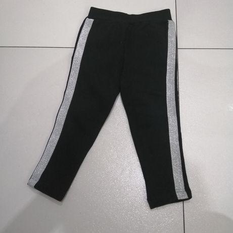 Czarne ocieplane spodnie z lampasami 104