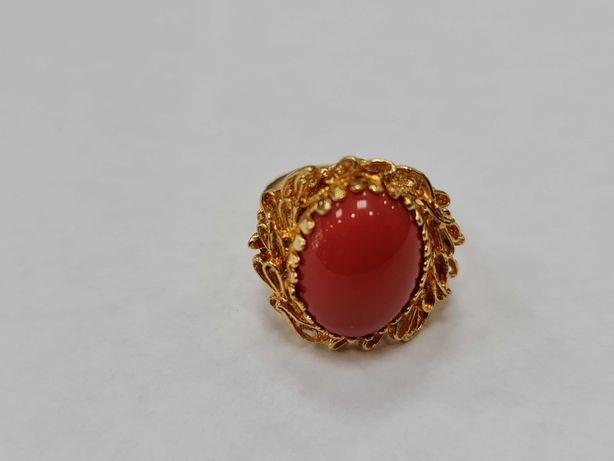 Wyjątkowy złoty pierścionek damski/ 750/ 7.07 gram/ R14