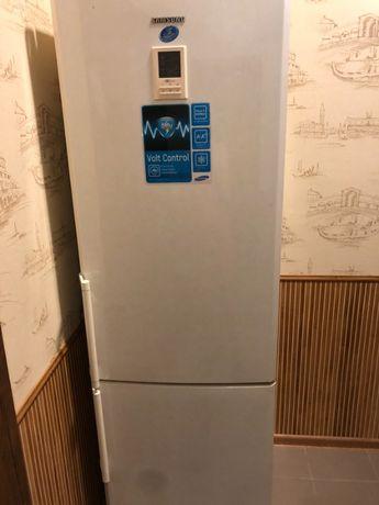 Продам двухкамерный холодильник Samsung с нулевой камерой