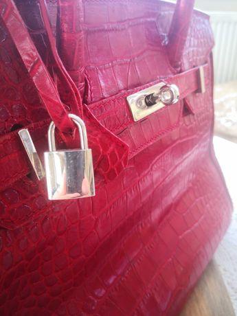 Czerwona torebka z eco skóry