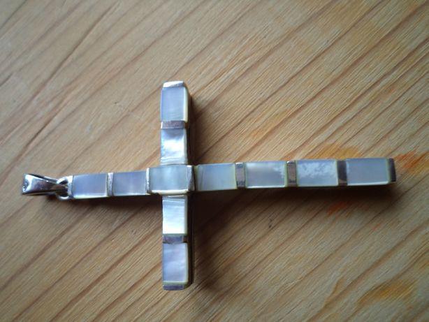 Zawieszka-krzyżyk ze srebra z masą perłową