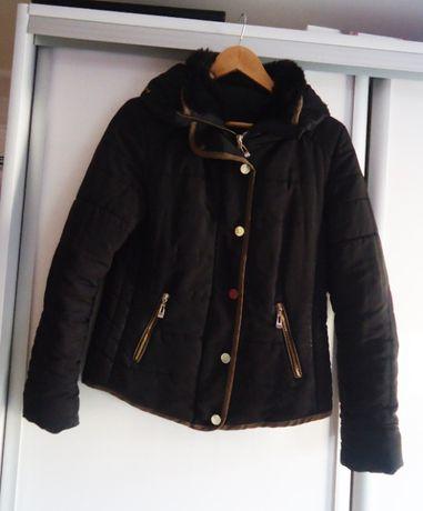 Czarna krótka kurtka jesień/zima